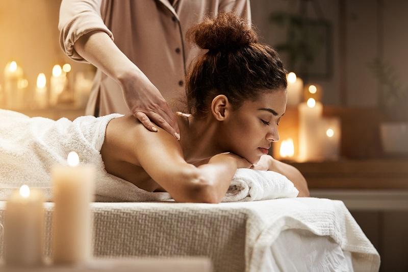 Czy na masażu musimy się rozebrać? Odpowiadamy!