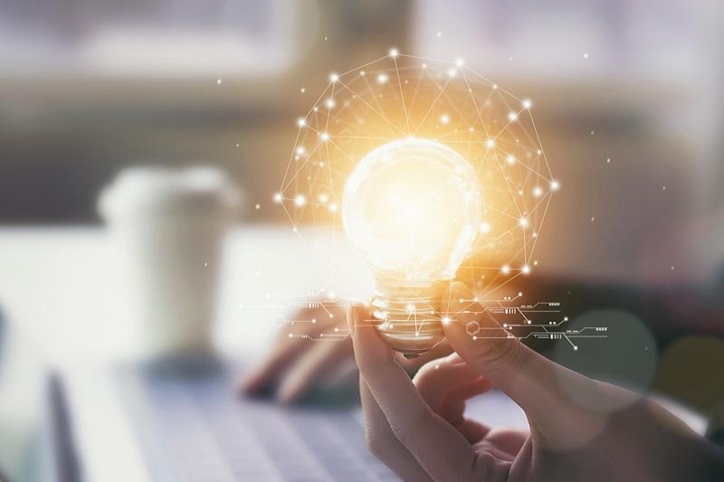 Doładowania prądu przez Internet – na czym to polega?