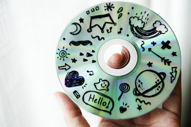 Jak powinno odbywać się profesjonalne niszczenie płyt CD, DVD?